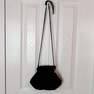 Le Regale black velvet clam shell crossbody purse